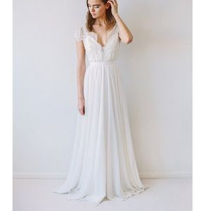 Truvelle Cambie Wedding Dress size 10